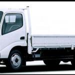 平ボディ(2t・4t・10t車・軽トラ)のトラックの特徴は?