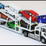 車両運搬車(キャリアカー)の特徴や必要免許・資格は?